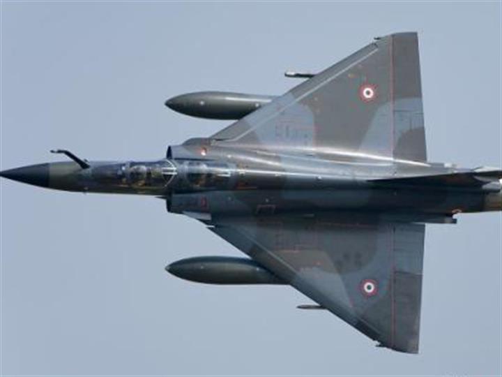 法国空军一架幻影2000战机在训练时失踪