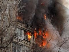 俄一居民楼天然气爆炸致5人受伤
