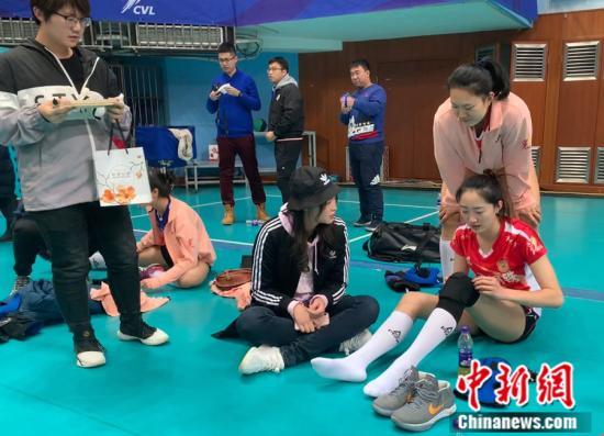 惠若琪探班江苏女排却遭逆转 外援欲带北京进决赛?