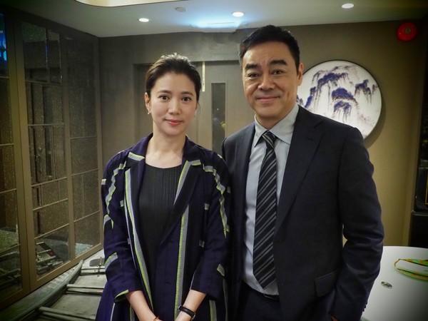 刘青云26年后再搭档袁咏仪:像很久没见面的女友
