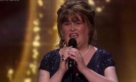苏珊大妈十年后重返达人秀 演唱《Wild Horses》