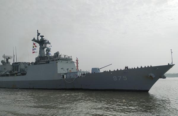 """韩舰艇编队访问上海 韩称系""""萨德""""事件后首次"""