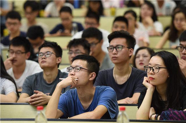 """思政课《深度中国》何以成为""""爆款""""课程?"""
