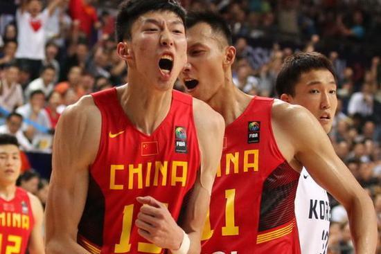 中国男篮公布15人集训名单 周琦领衔阿联郭少无缘