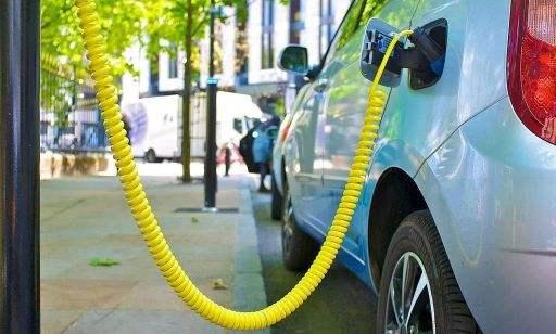 补贴退坡幅度进一步加大 新能源汽车会涨价吗