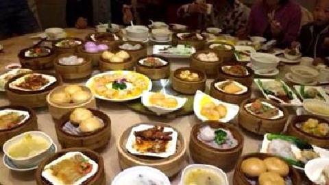 穗春节市场供应物足价稳餐饮持续火爆