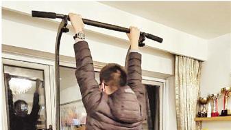 要求学生开学称体重 这体育老师我服!
