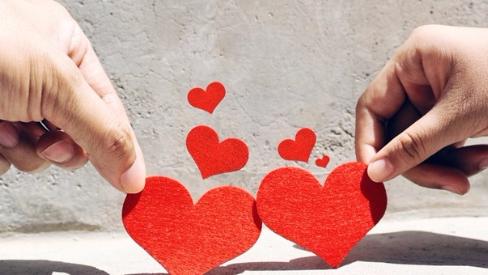 """因为""""爱情"""",美国人去年被骗1.4亿美元"""