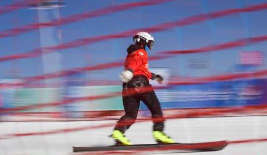 中国单板滑雪平行项目实现突破:宫乃莹摘金创造历史