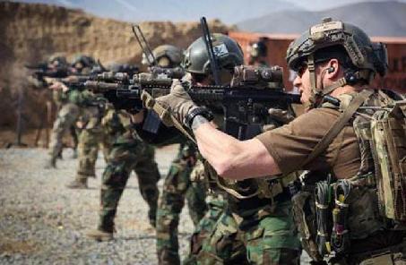 """阿富汗部队进攻塔利班""""监狱""""救出10名警察"""