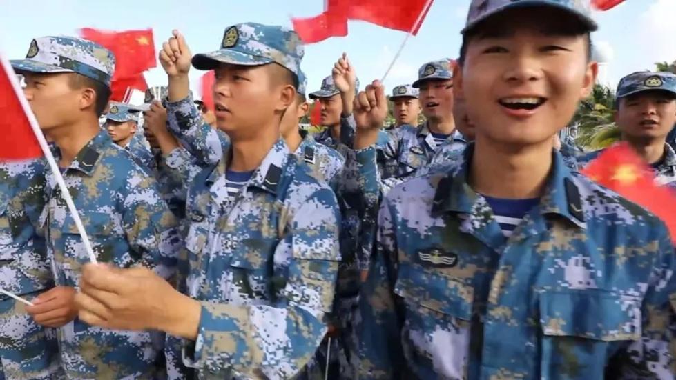 """新春伊始,他们在祖国最南端蓝色国土燃起""""快闪"""""""
