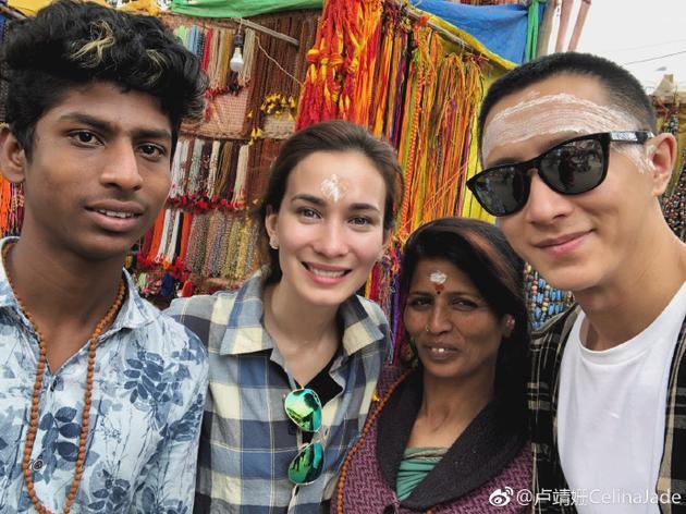 韩庚卢靖姗合体游印度 晒照帮导游打广告很接地气