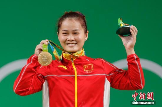 2019年举重世界杯邓薇夺金并打破三项世界纪录