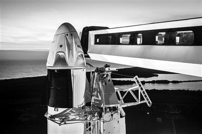 """美""""载人龙""""飞船3月进行首次不载人试飞"""