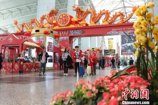 广州白云机场节后客流高峰预计将持续至正月十三