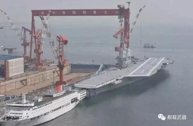 中国航母舰载机未来如何编队?或至少搭载4架歼15D
