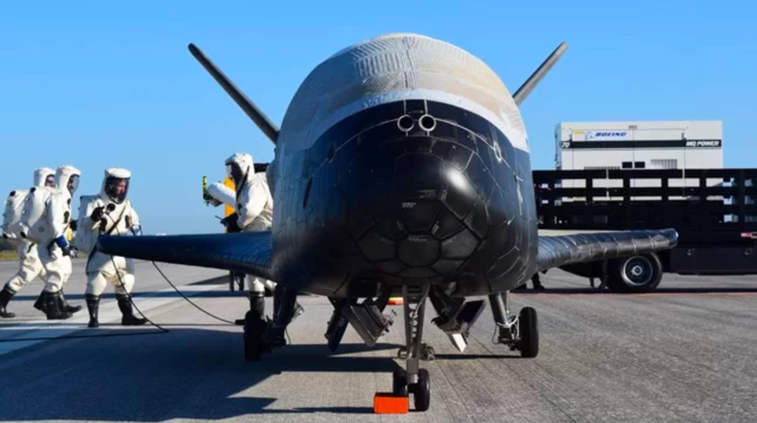 美国成立太空军 美媒:没特朗普想的那么雄心勃勃