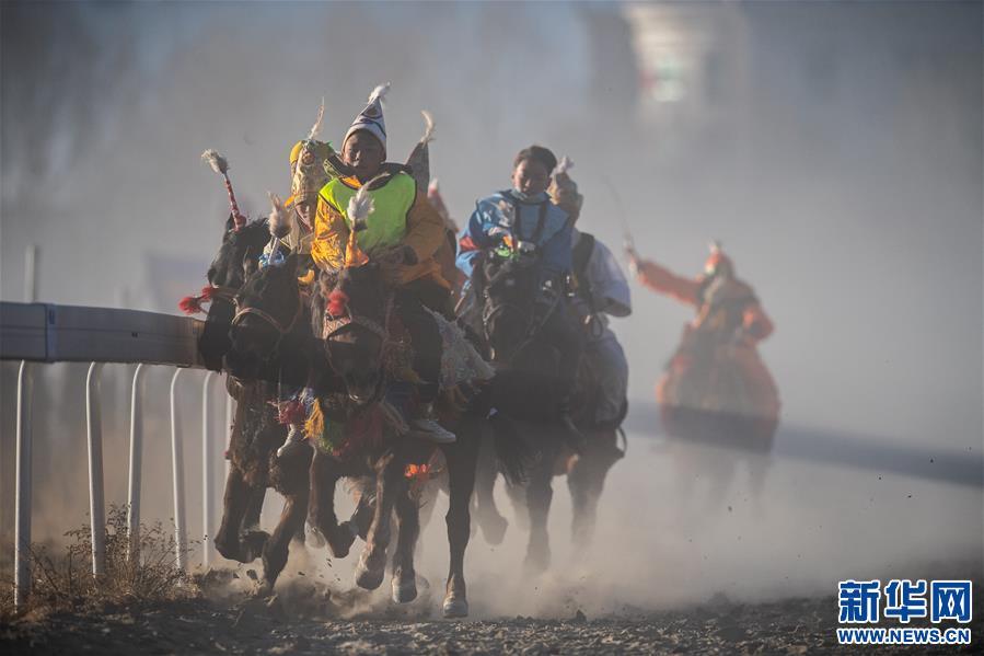 西藏:策马奔腾共庆汉藏新年