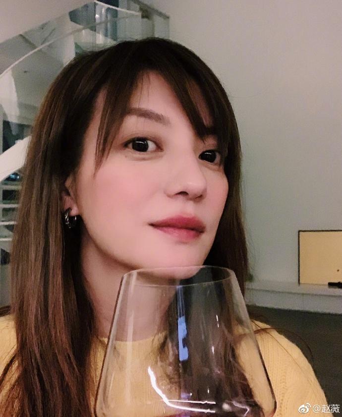 赵薇不服判决刚提起上诉 140人诉赵薇案杭州开庭