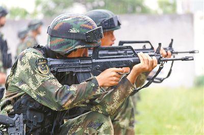 武警某部机动五支队开展实战化训练