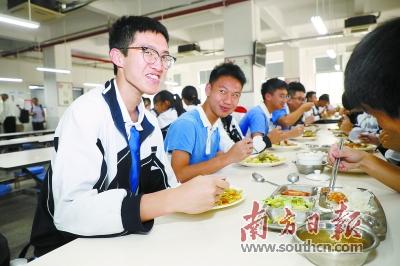 """校园食品安全""""经济账""""怎么算?广东探索多种方式"""