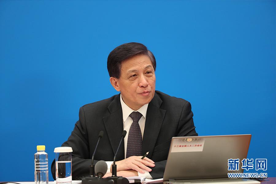 張業遂:保持國防費合理適度增長是維護國家安全、適應中國特色軍事變革的需要