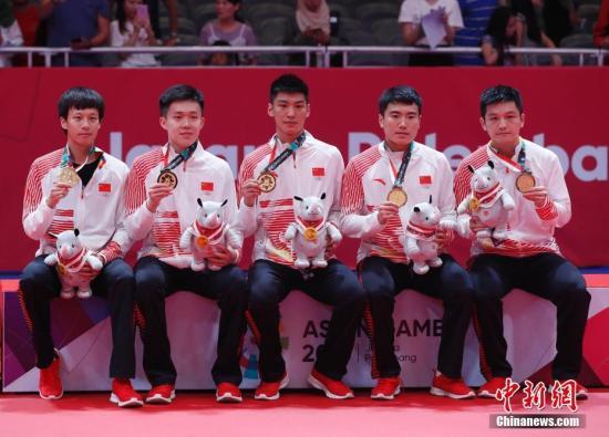国乒直通赛正式开打 首轮对决樊振东刘诗雯胜出