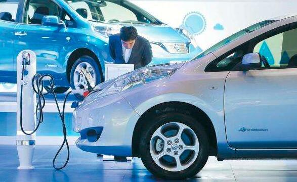 """电动车质量安全:""""蔚来""""新能源汽车维修时起火 厂家展开调查"""