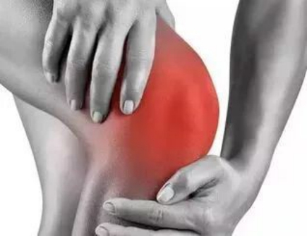 四个方法有效?#33322;?#32769;年人骨性关节炎疼痛