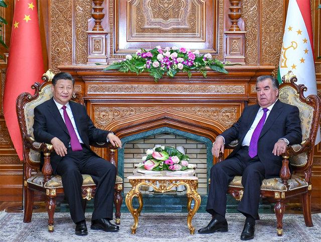 習近平同塔吉克斯坦總統會談