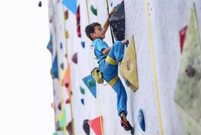 2019广州攀岩公开赛在大学城体育中心开赛
