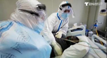 催淚Vlog:ICU里的分秒,看他們如何與病魔決斗
