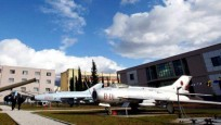 欧洲一国甩卖中国援助军机 8千美元起拍引抢购