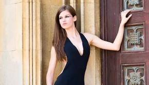 26岁剑桥学霸美女热心公益获赞 曾获英格兰小姐称号
