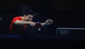 乒乓球男子单打赛 中国选手马龙成功晋级