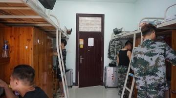 长沙一高校打造彩色宿舍:为鼓励学生大胆创新