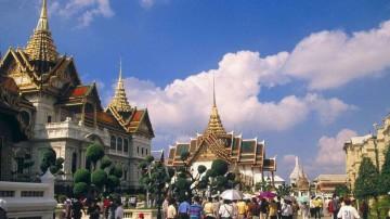在泰国交通事故中受伤的中国游客得到妥善治疗