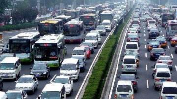 标线设计不合理加剧拥堵! 哪些交通问题还需改善?