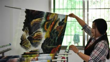 湖南浏阳:乡村国画绘就美好生活