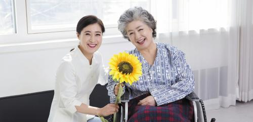 廣東省出臺27條舉措加快養老服務發展 2022年基本建成15分鐘居家養老服務圈