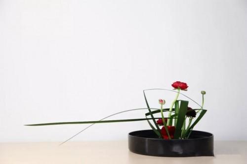 掌握点、线、面,体现花艺设计中秩序的美感