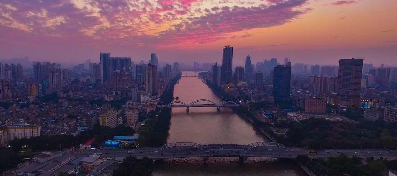 网友航拍:广州珠江两岸美景