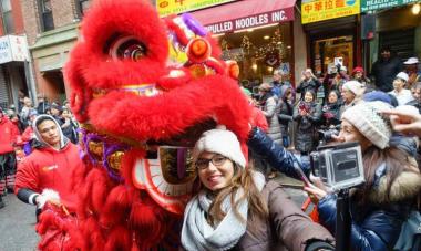 美国纽约曼哈顿中国城年味浓